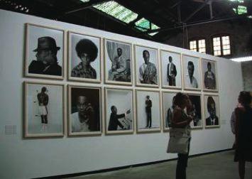 Samuel_Fosso_Autoportrait_African_Spirits_Arles-romaric-tisserand