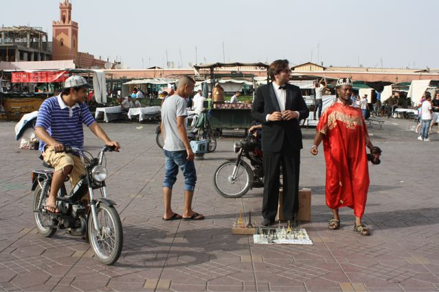Koutoubia-Paris_tour_Eiffel_Tourism-marrakech-romaric-tisserand-photography-performance