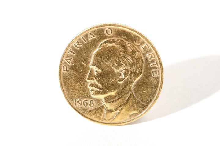 gold-coin-patria-muerte-irte-romaric-tisserand